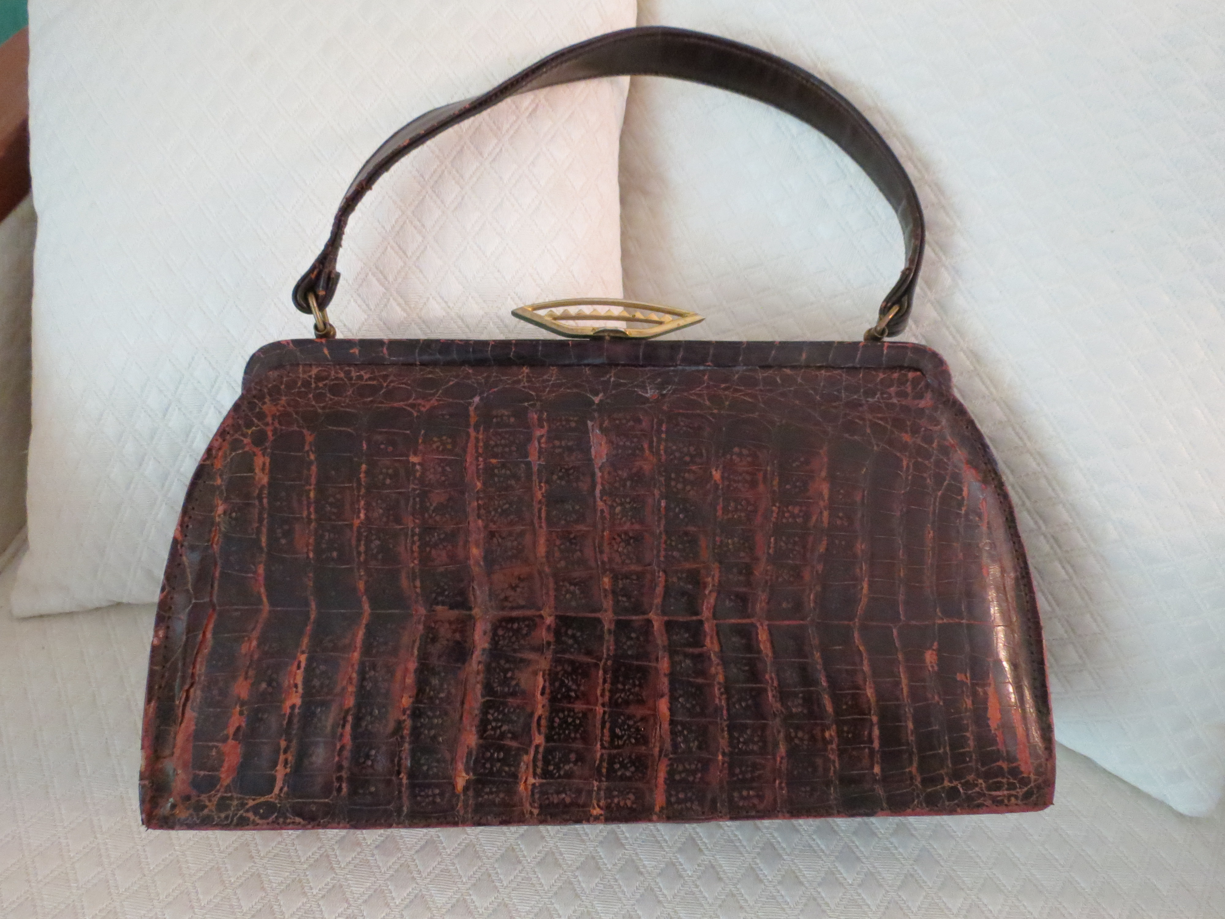 TRUE VINTAGE GENUINE ALLIGATOR HANDBAG 1940S - 1950S