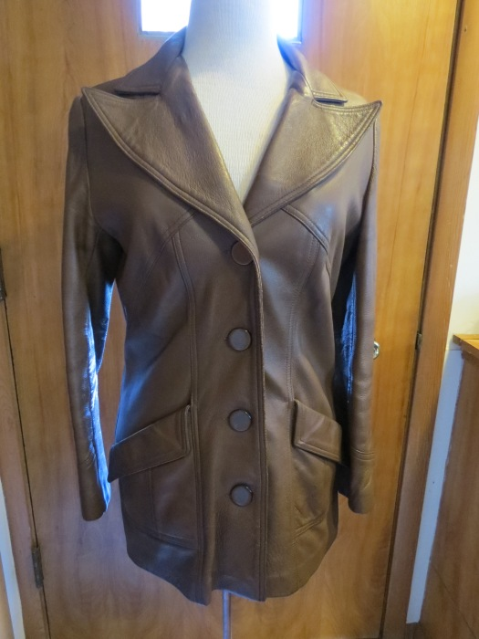 TRUE VINTAGE 1960s WOMEN'S CLASSIC LEATHER JACKET