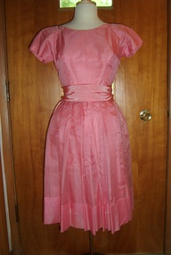 TRUE VINTAGE  EARLY 1950s EASTER EGG OF A PARTY DRESS