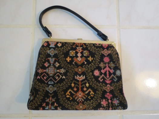 TRUE VINTAGE HANDBAG, 1950s TO EARLY 1960s WITH A TAPESTRY FRONT IN SPRING COLORS