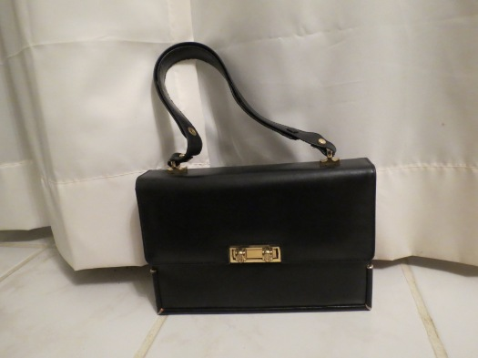 BEAUTIFUL ITALIAN LEATHER HANDBAG WITH A GREAT STORY