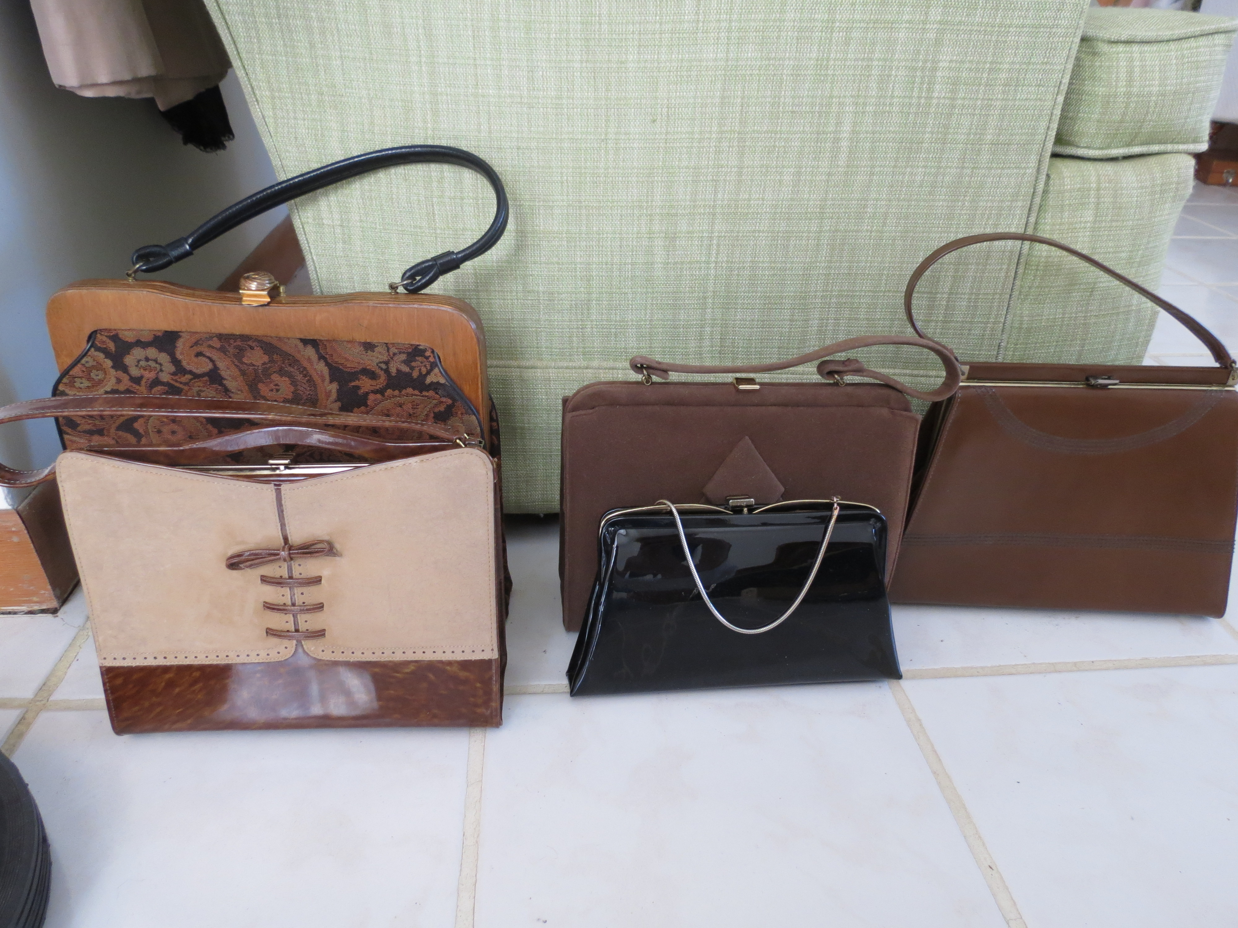 A COLLECTION OF TRUE VINTAGE HANDBAGS FROM THE 1960s
