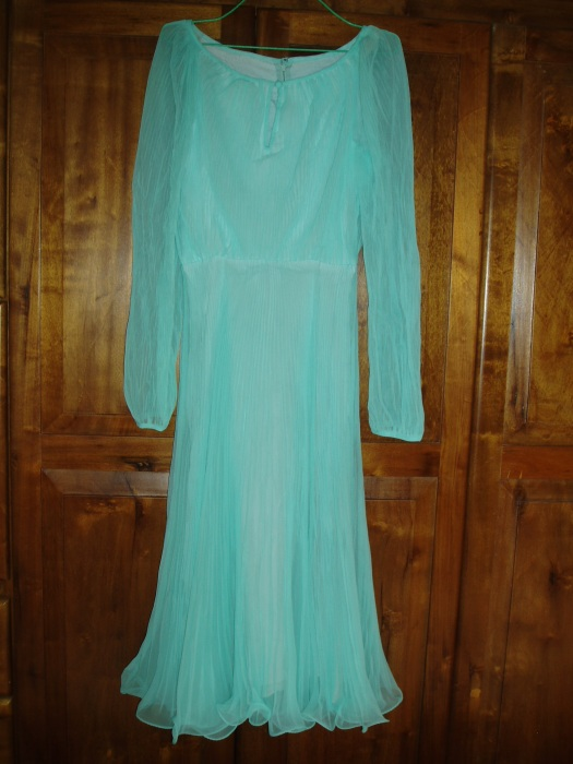 TRUE VINTAGE SEA BLUE DINNER DANCE DRESS FROM THE LATE '60S - EARLY '70S