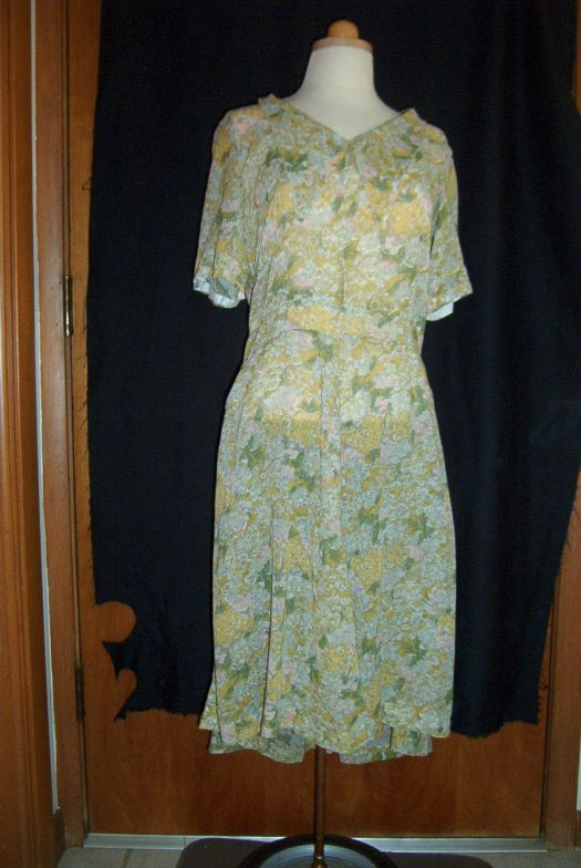 TRUE VINTAGE SHEER SHIRT-DRESS FOR SPRING FROM THE 1950s