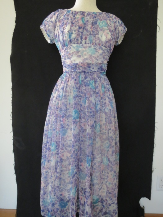 TRUE VINTAGE LATE 1940s - EARLY 1950s TEA LENGTH GOWN  OR PARTY DRESS