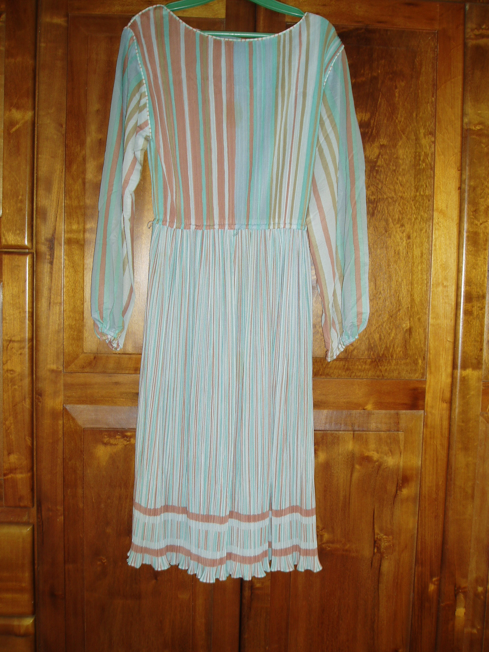 TRUE VINTAGE 1970S ELEGANT DINNER-DANCE-DATE DRESS