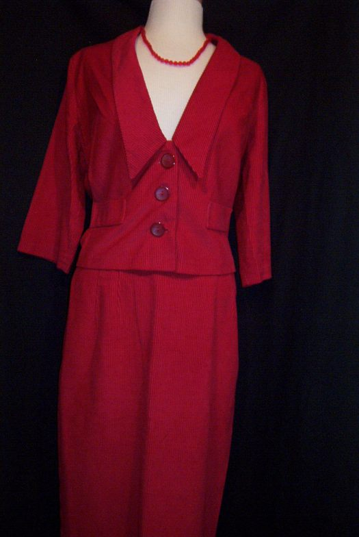 CUTE TRUE VINTAGE 1950'S/'60's CASUAL SUIT  IN RED!