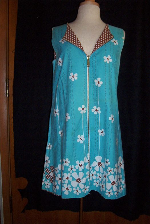 TRUE VINTAGE 1960'S -1970'S CASUAL DRESS FOR SUMMER