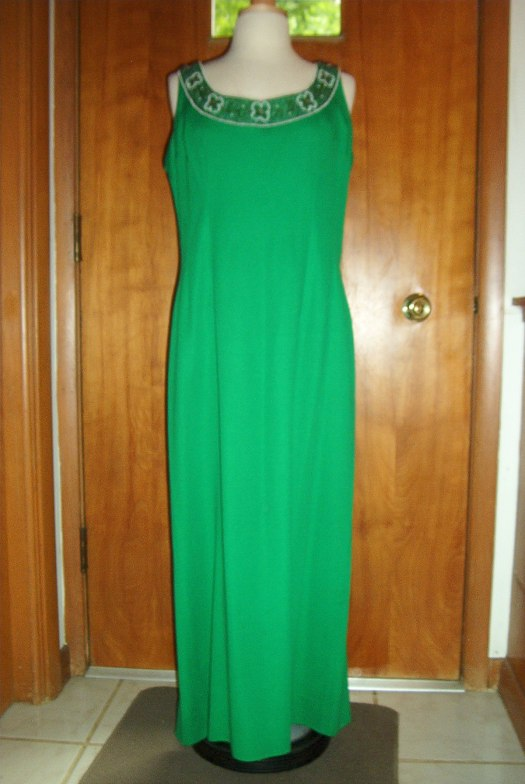 BEAUTIFUL EMERALD GREEN GOWN BY A NEW YORK DESIGNER