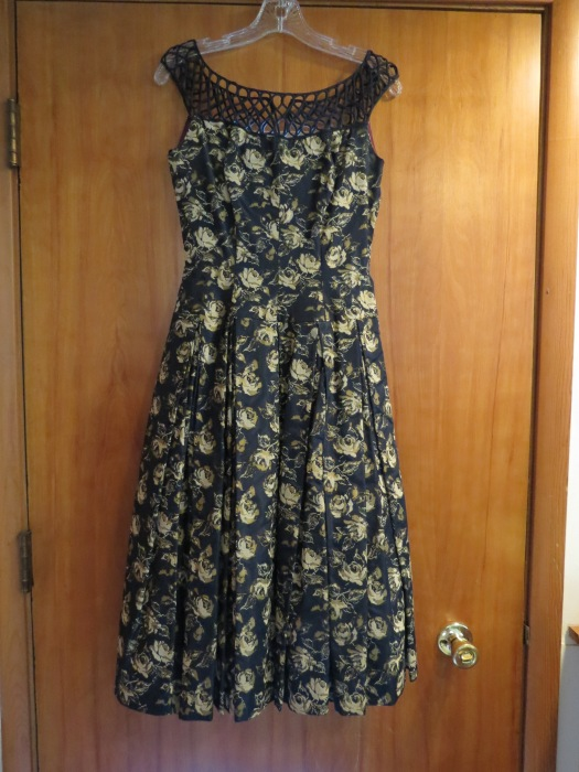 A TRUE VINTAGE EARLY 1950'S FROCK FOR A SPECIAL OCCASION