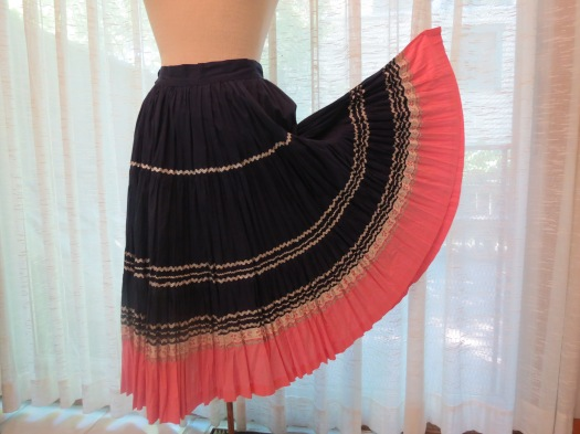 FUN TRUE VINTAGE 1950'S - EARLY 1960'S CIRCLE SKIRT