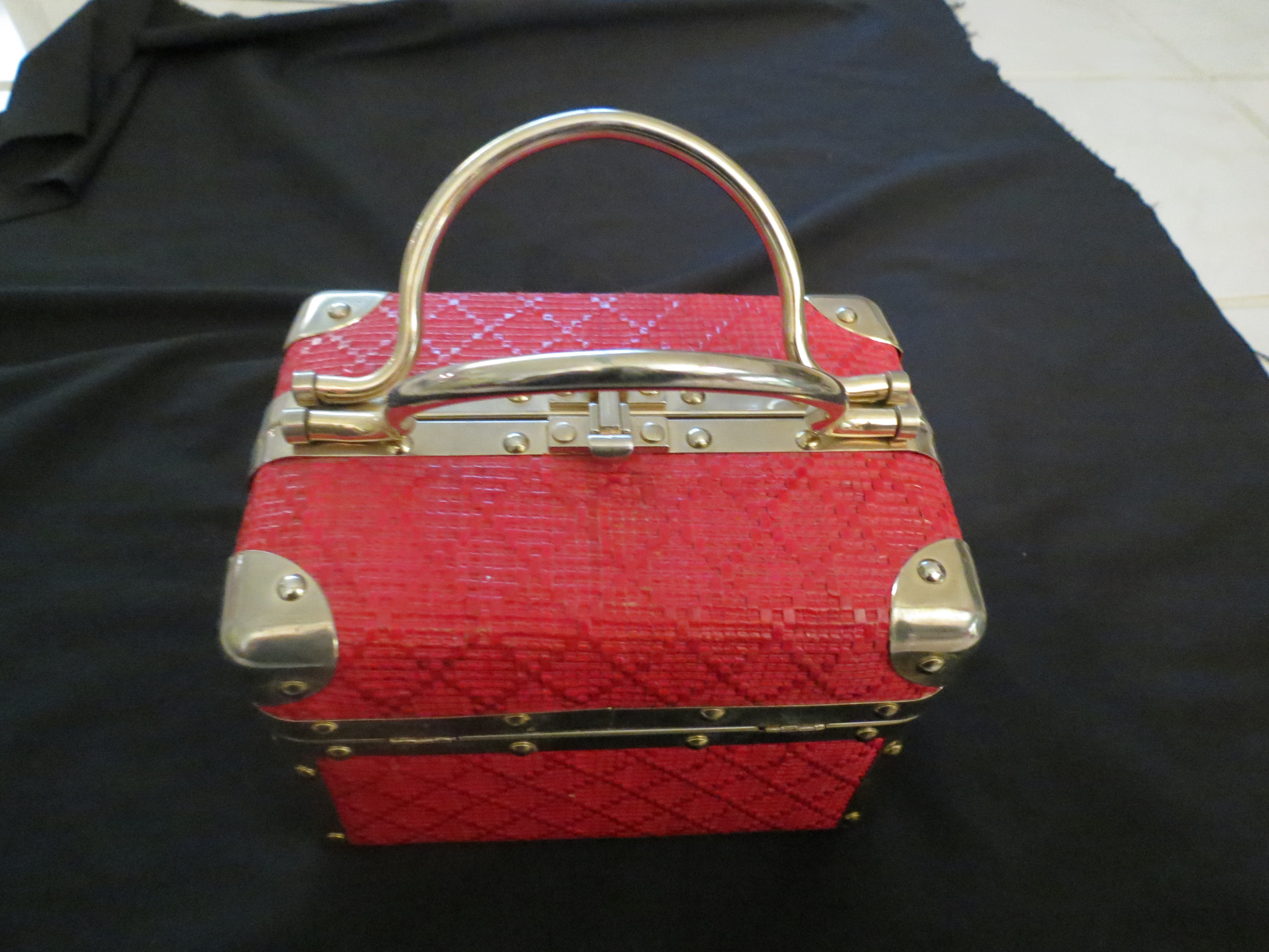 TRUE VINTAGE 1960'S - '70'S BOX BAG WITH LUGGAGE - STYLE HARDWARE