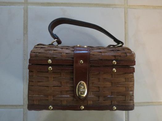 TRUE VINTAGE 1950'S - 1960'S CASUAL WOVEN BOX HANDBAG