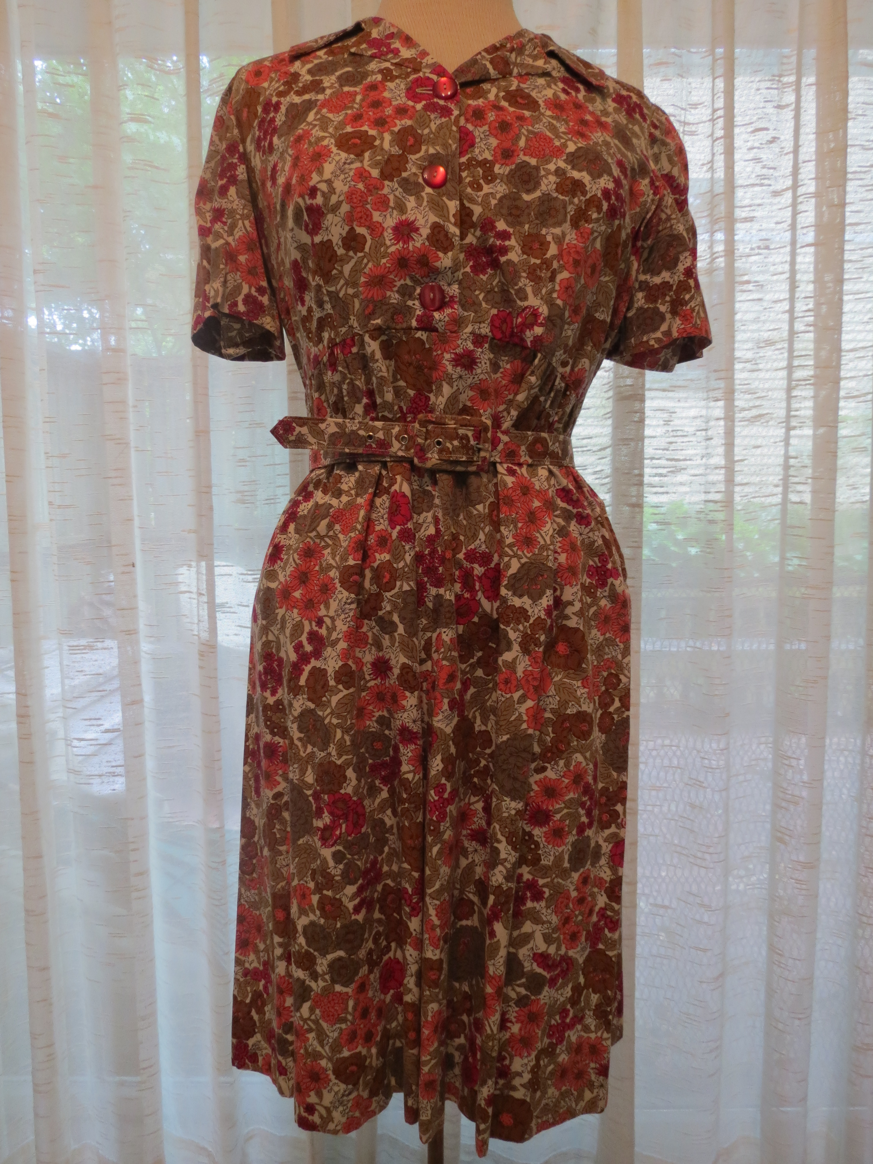 LOVELY COTTON SHIRT-WAIST FROM THE 1950'S - EARLY 1960'S IN FALL COLORS