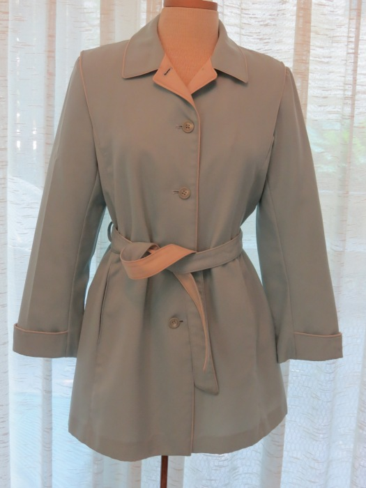 TRUE VINTAGE LATE 60'S - EARLY '70'S MINI TRENCH RAINCOAT