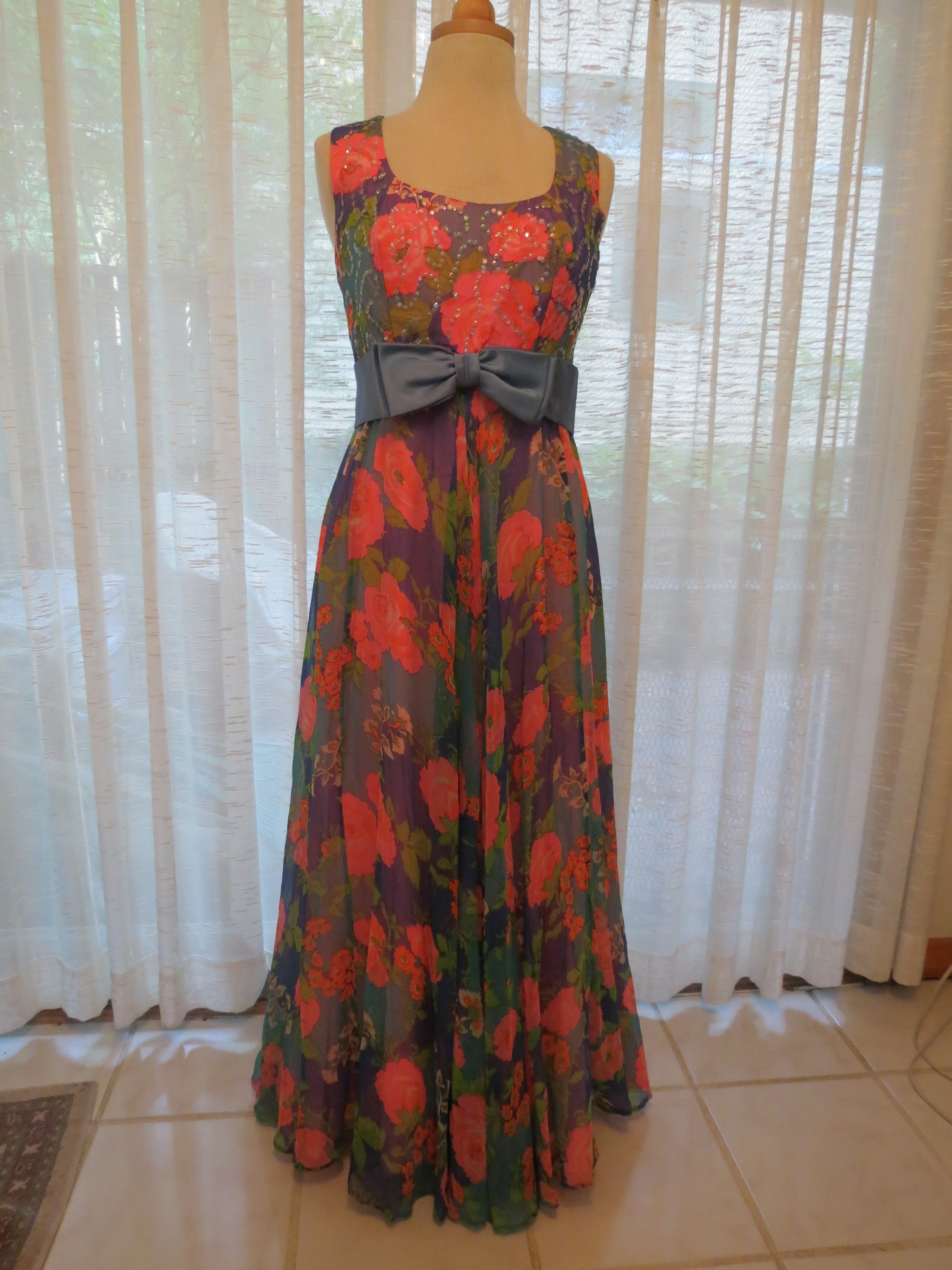 TRUE VINTAGE SUMMER FORMAL DRESS FROM THE 1970'S OR 1980'S