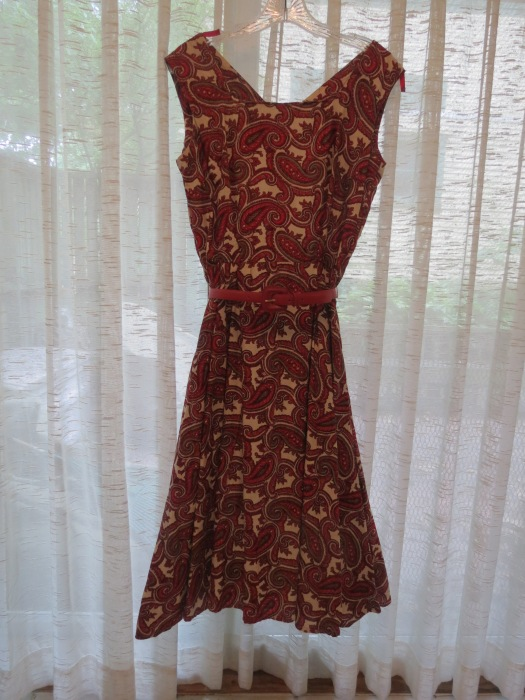 ANOTHER TRUE VINTAGE 1940's -1950'S DAY DRESS - ONE OF MY VERY FAVORITES