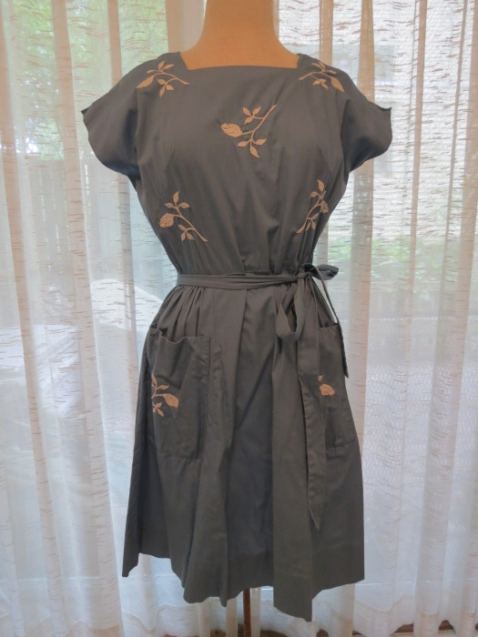 ANOTHER TRUE VINTAGE WRAP-AROUND DRESS BY SWIRL