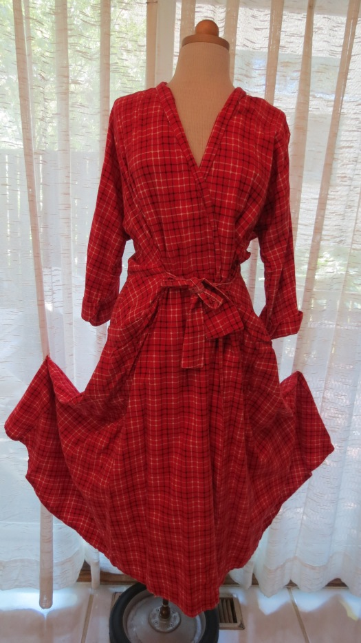A TOASTY FLANNEL ROBE FROM THE 1940'S - FEELS GREAT TO SNUGGLE UP IN JUST ABOUT NOW . . . . .