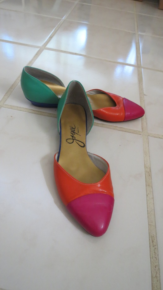 TRUE VINTAGE SHOES BY JOYCE - 1960'S COLORFUL FLATS