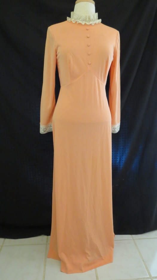 TRUE VINTAGE VICTORIAN/PRAIRIE-STYLE GOWN FROM THE '60'S
