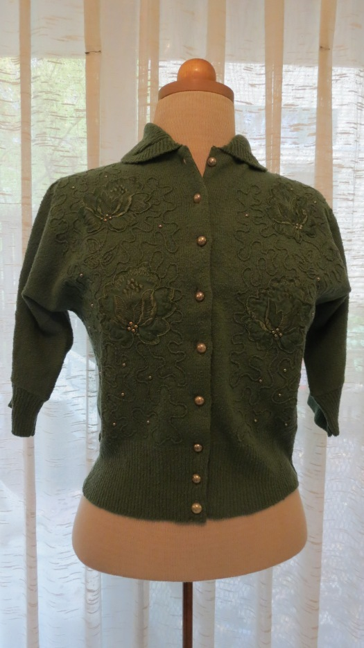 ANOTHER TRUE VINTAGE DECORATED SWEATER FROM THE 1940'S