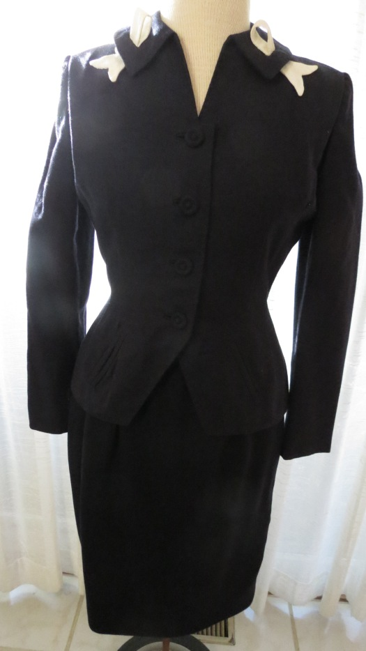 A FAVORITE DARK NAVY BLUE HOUR - GLASS SKIRT SUIT FROM THE 1940'S TO 1950'S