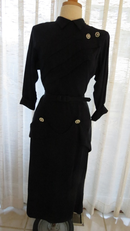 HOW ABOUT A LITTLE FILM NOIR? TRUE VINTAGE LATE 1940'S RAYON DRESS