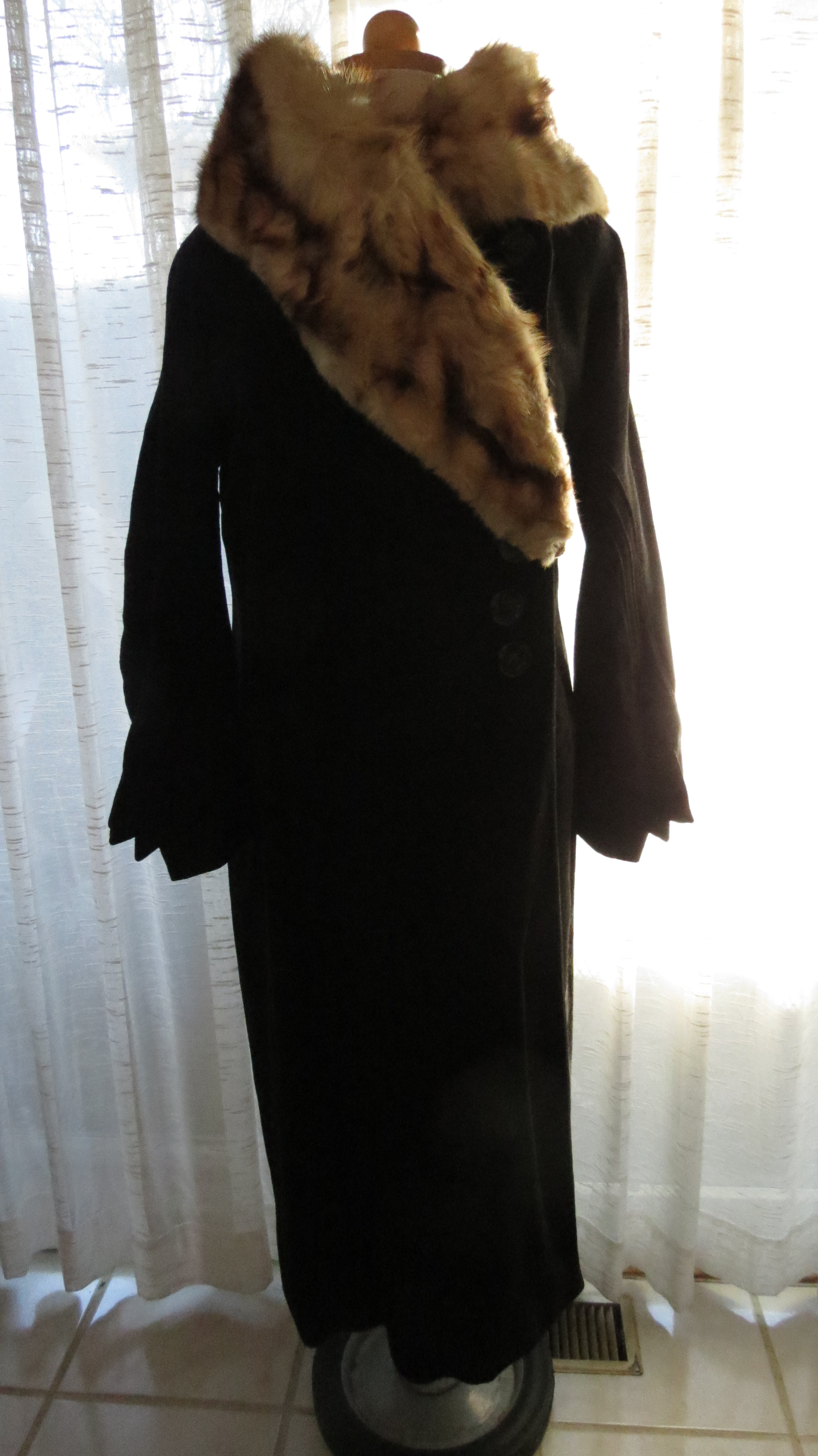 ANOTHER MEGA-FUN SURPRISE FIND! TRUE VINTAGE 1920'S WINTER COAT