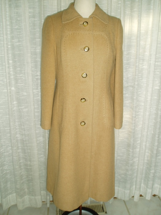 BE A PRINCESS IN STYLE! TRUE VINTAGE 1960'S CAMEL HAIR COAT