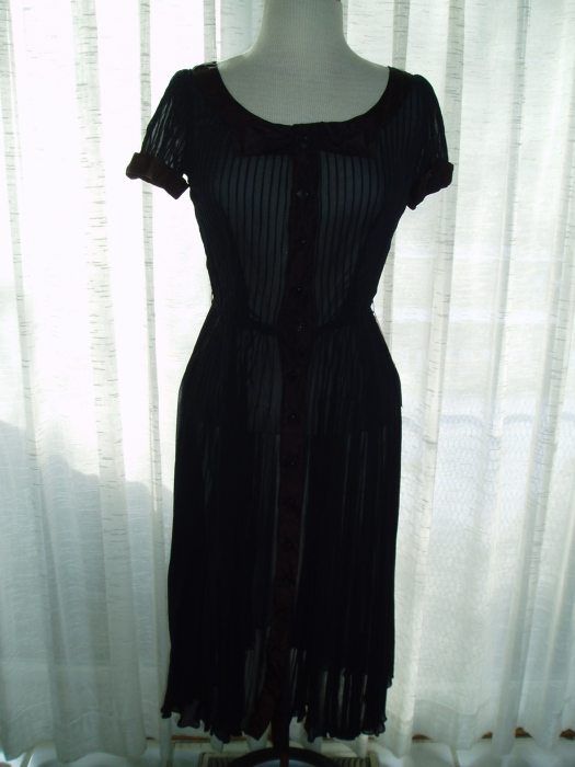 SHEER AND VERY LADYLIKE FROCK FROM THE 1960'S?