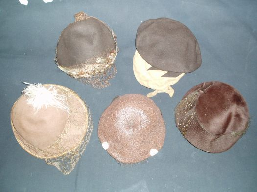 A COLLECTION OF SMALL, VERY PRETTY TRUE VINTAGE HATS WITH VEILS AND DECORATION