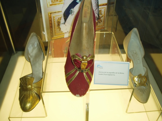 LADIES' TRUE VINTAGE PUMPS FROM 1953, COMMEMORATING THE CORONATION OF QUEEN ELIZABETH II