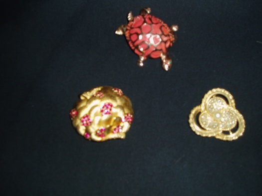 FINE TRUE VINTAGE COSTUME JEWELRY BROOCHES FOR COAT AND JACKET LAPELS