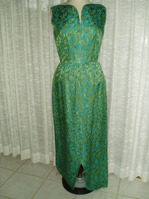 LOVELY LONG GREEN SHEATH DRESS FROM THE EARLY 1960'S