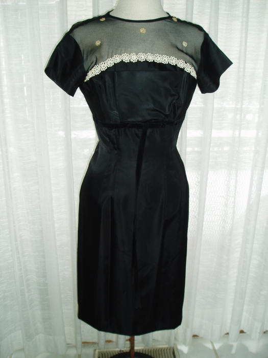 CUTE AND SAUCY LITTLE BLACK DRESS, FORTIES - STYLE
