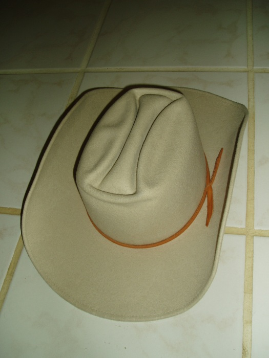 ANOTHER TRUE VINTAGE MEN'S CLASSIC - WESTERN-WEAR COWBOY HAT FROM A DENVER, CO STORE