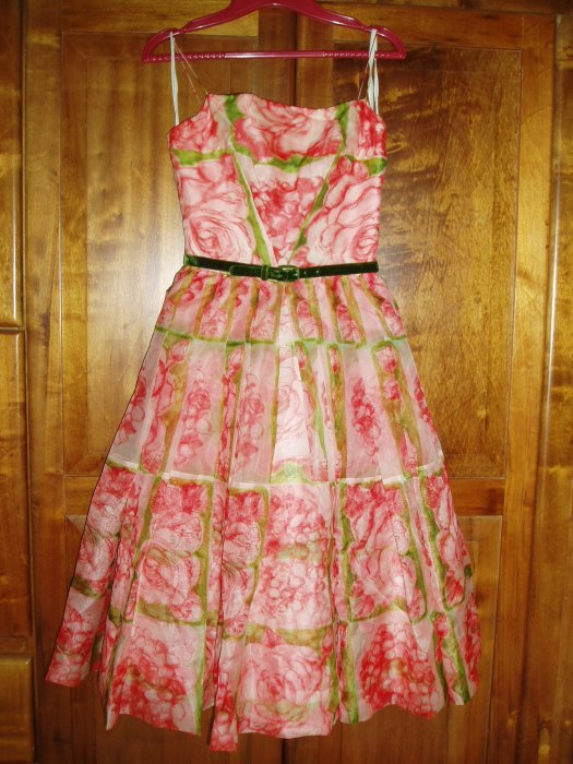 TRUE VINTAGE 1950'S EASTER DANCE PARTY / PROM POUF DRESS