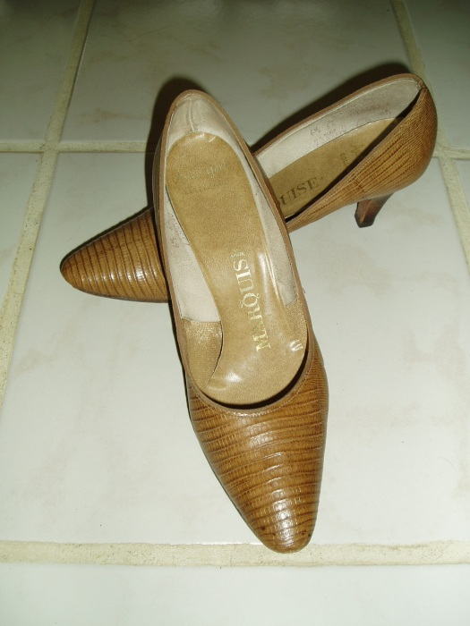 CLASSIC 1960'S LADIES' PUMPS IN LUGGAGE TAN NATURAL LIZARD
