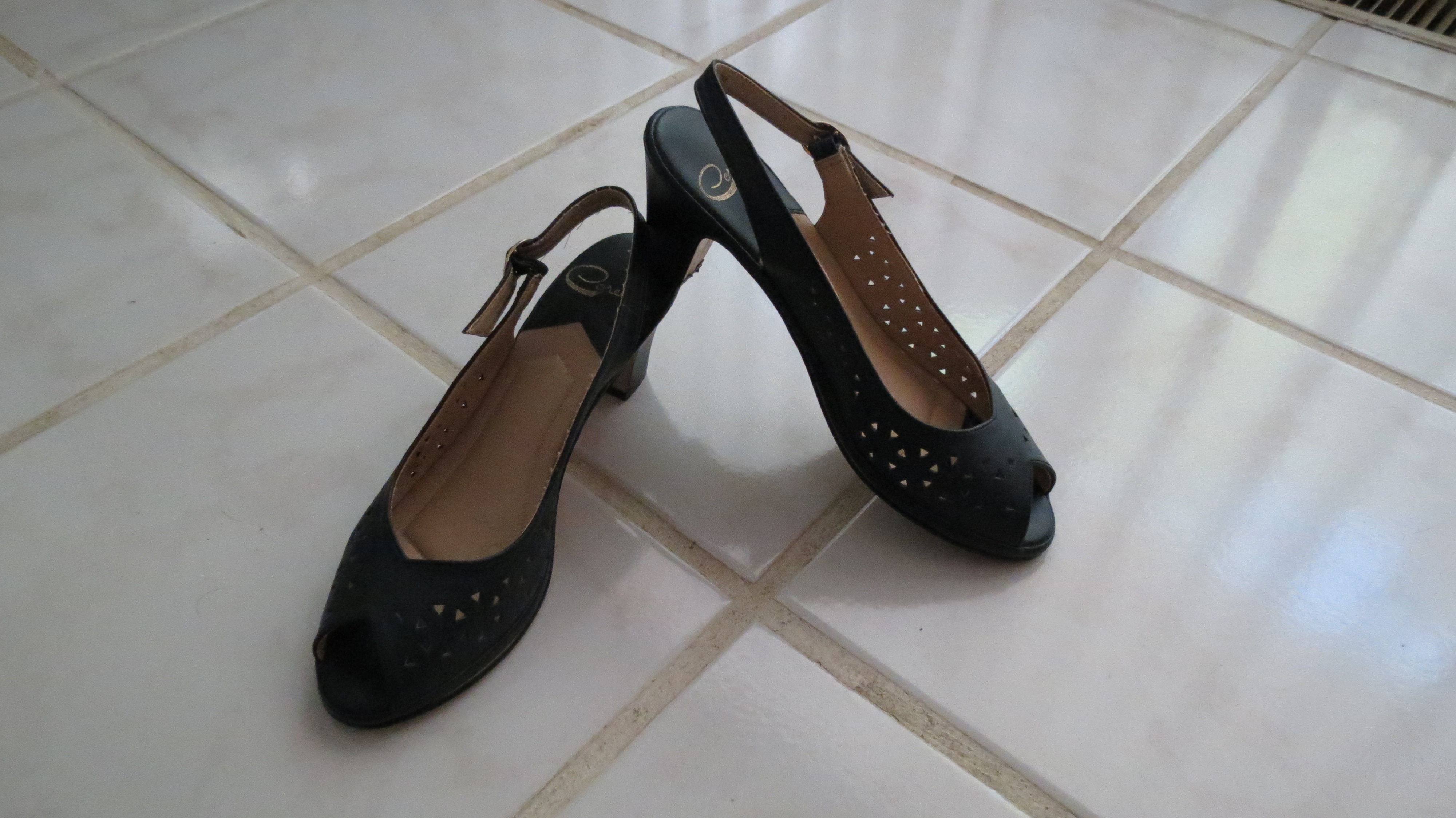 RECENT FIND!  SLING-BACK PEEP-TOE PUMPS MADE BY AN ITALIAN COMPANY - VINTAGE 1950'S