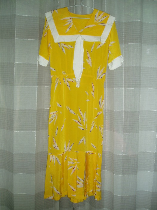 SUNNY YELLOW TRUE VINTAGE SIXTIES DOES THIRTIES FROCK
