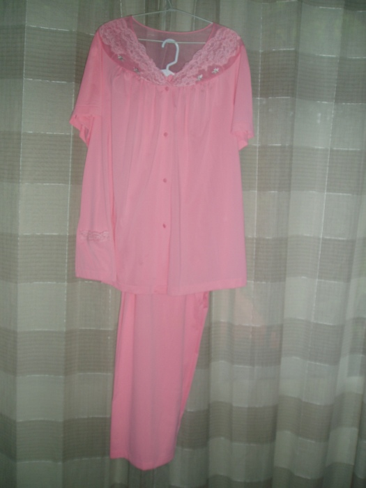 UNUSUAL FIND!  TRUE VINTAGE 1960'S LADIES' NYLON LINGERIE PAJAMA SET