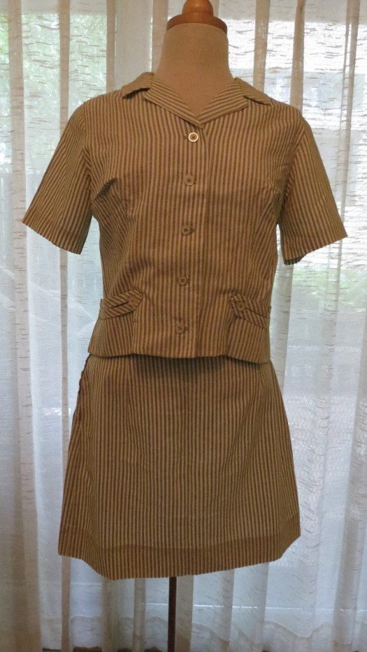 CUTE LITTLE SEERSUCKER SKIRT SUIT FROM THE SIXTIES, FOR SUMMER!