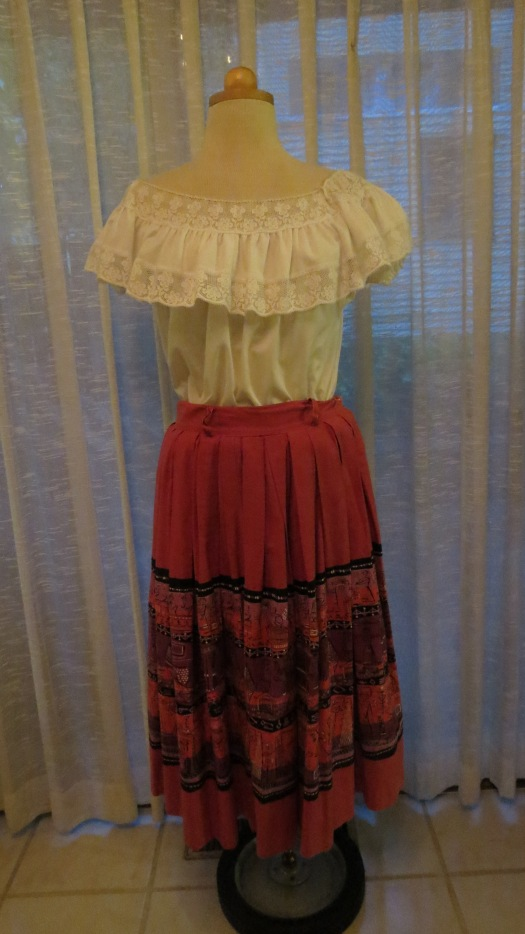 ICONIC TRUE VINTAGE MID-FIFTIES SUMMER SKIRT AND BLOUSE