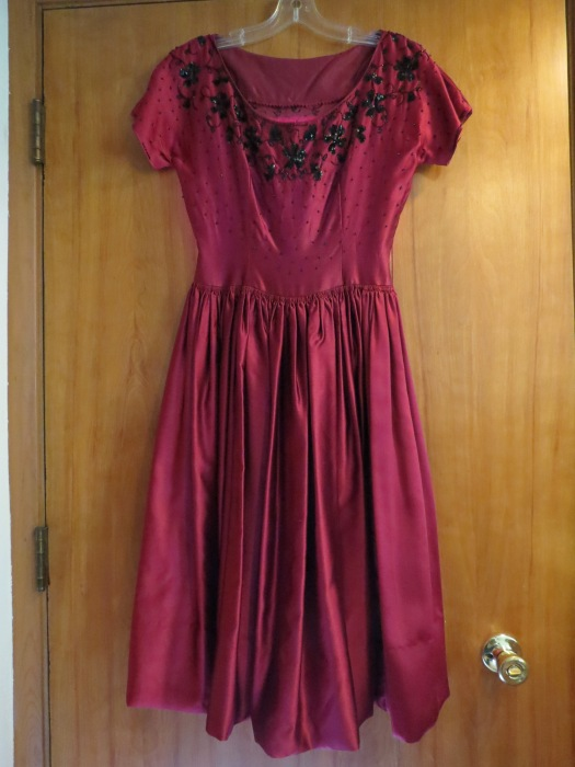 LATE 1940'S - EARLY 1950'S NEW LOOK TRUE VINTAGE GOWN