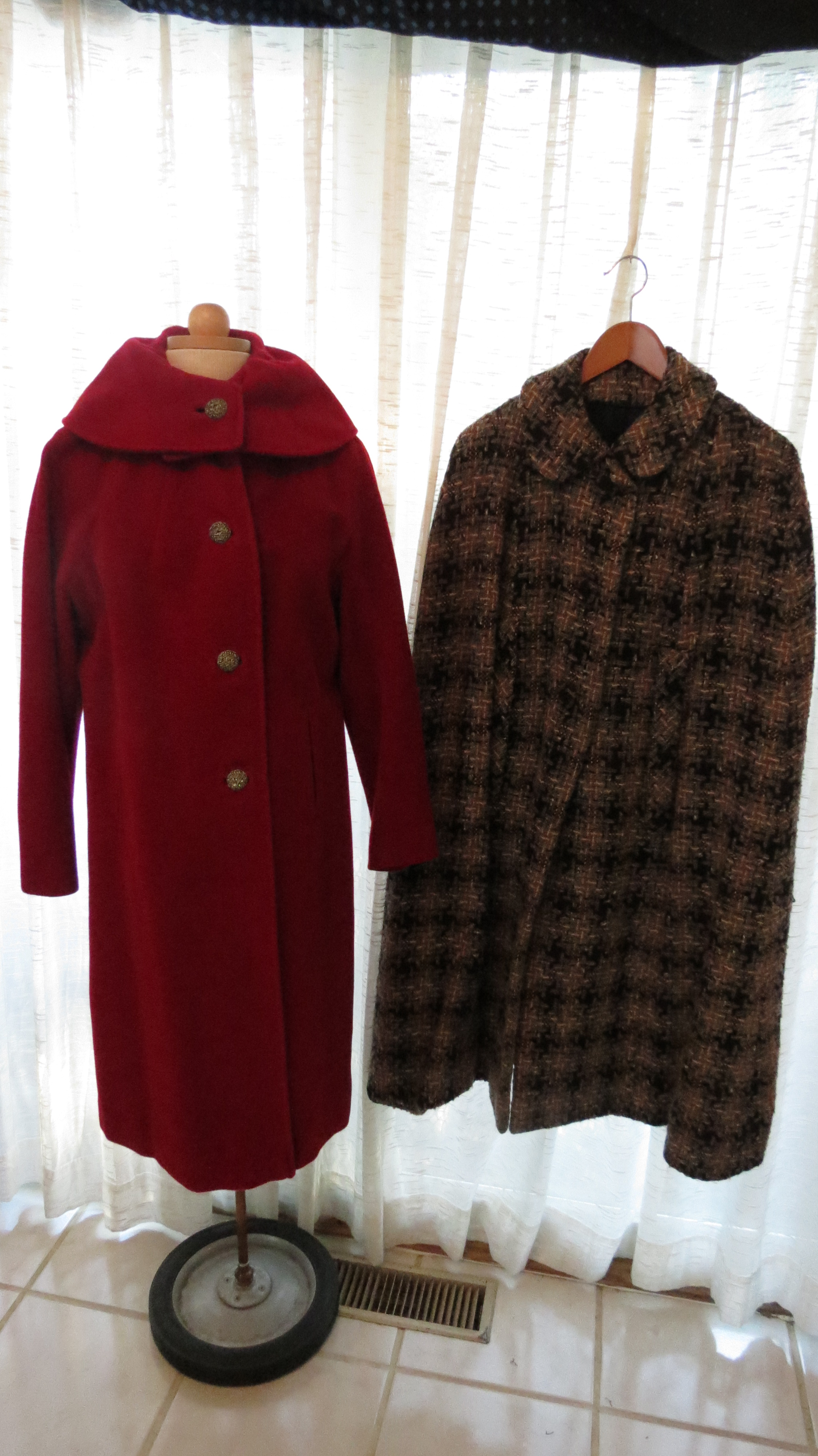 ANOTHER TRUE VINTAGE MID-CENTURY CAPE AND GORGEOUS COAT FOR A CHILLY DAY