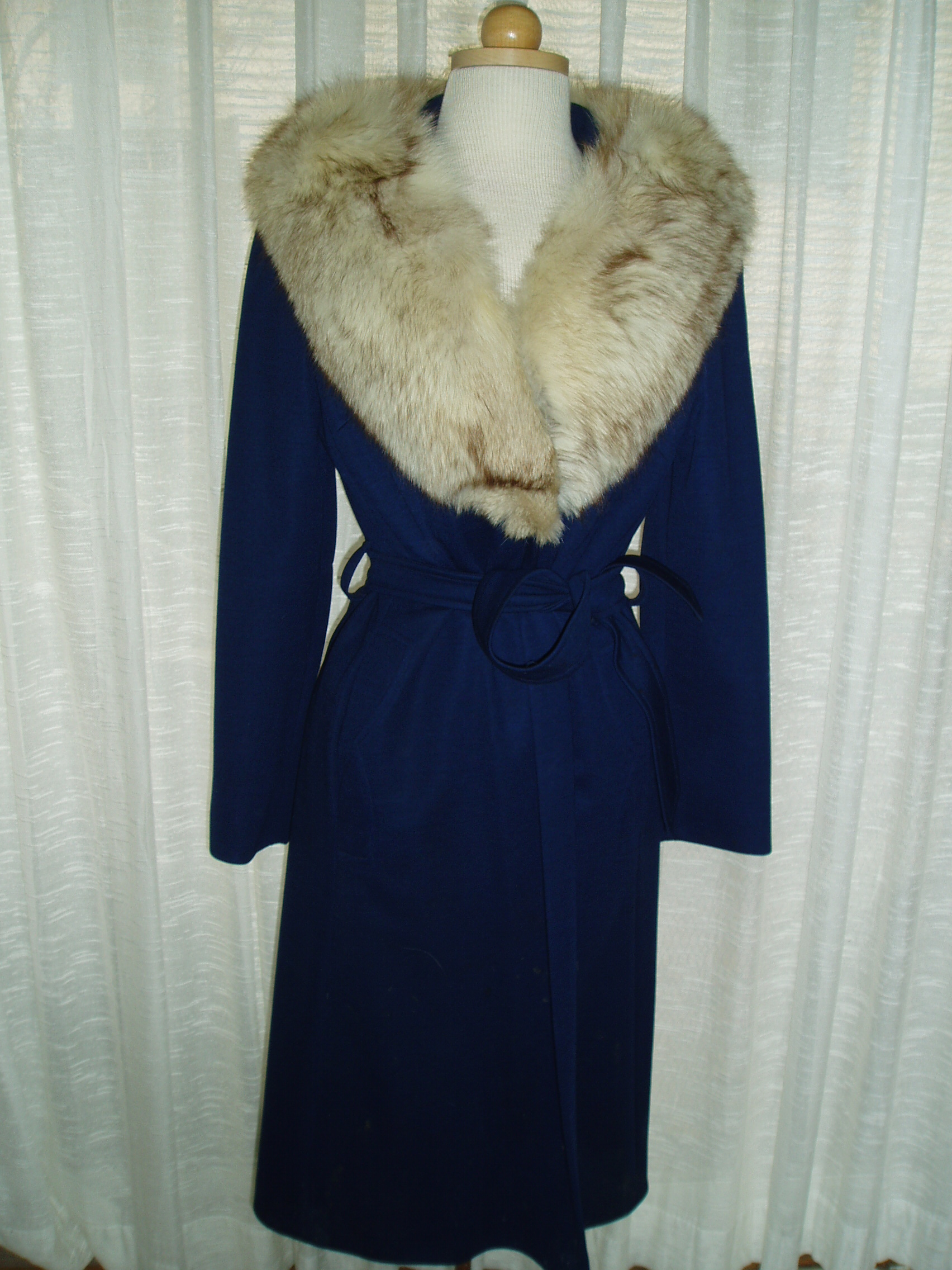 MY BEAUTIFUL, SEXY, FRENCH - INSPIRED MID - CENTURY WINTER COAT WITH FUR