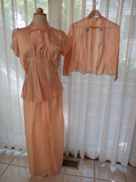 FABULOUS 1930'S - 1940'S SILK PAJAMAS AND ASIAN - INSPIRED BED JACKET
