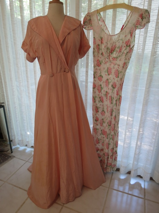 FABULOUS FINDS FROM THE FORTIES - TRUE VINTAGE DRESSING GOWNS