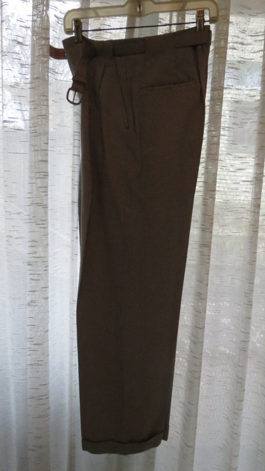 VERY UNUSUAL DISCOVERY:  TRUE VINTAGE 1940'S WOMEN'S SLACKS!!!